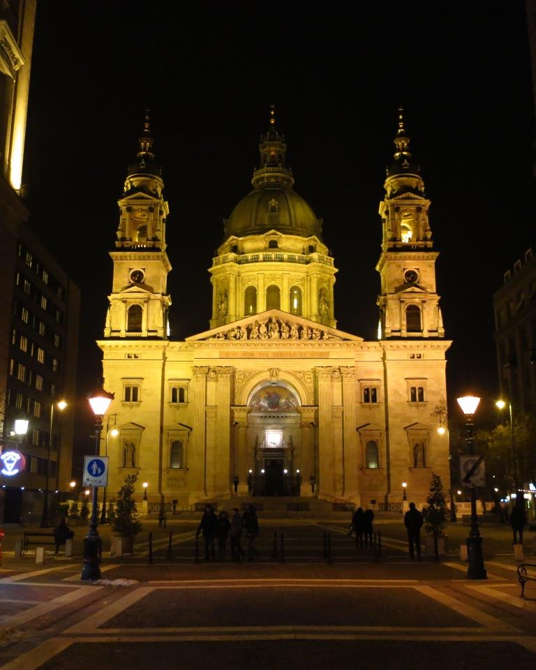 10m walk from my apartment - Szent István-bazilika