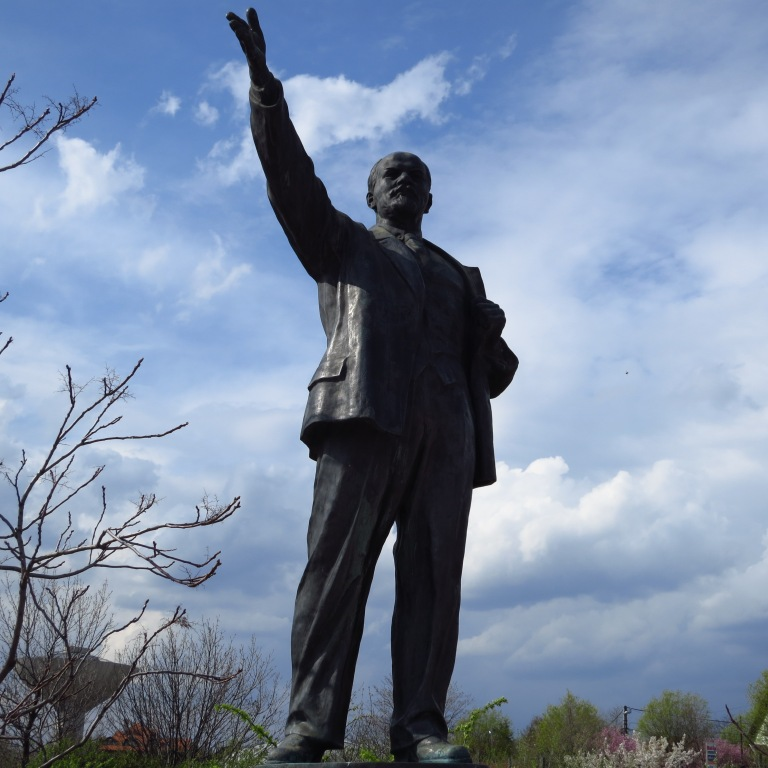 Not the first time I see a statue of this man... (See our Russia-tour)