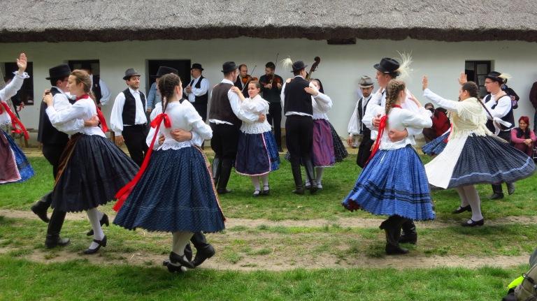 Traditional hungarian music & dancing